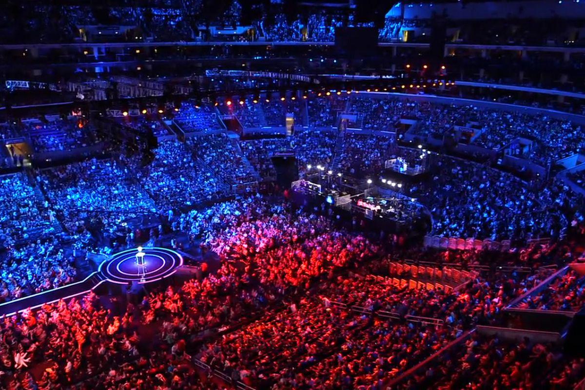 korean esports crowd
